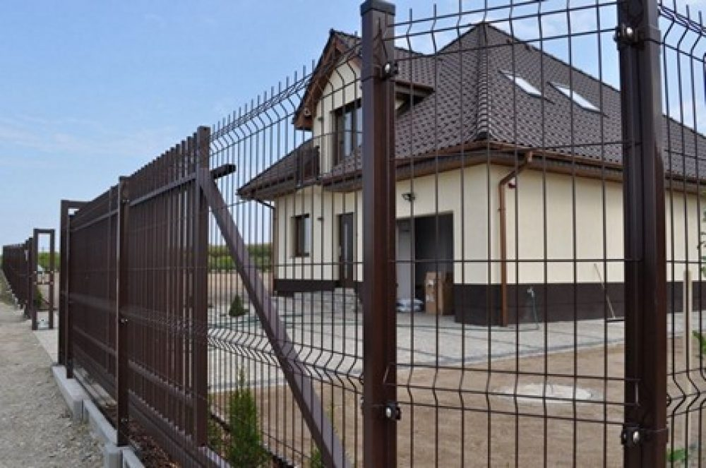 Панельные заборы в Калининграде