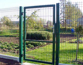 Калитка зелёная с замком